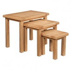 Dorchester Oak Nest of 3 Tables
